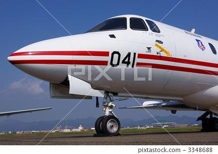 喷气式飞机的发动机原理是什么?