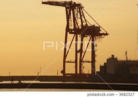 图库照片: 集装箱起重机 吊车 鹤