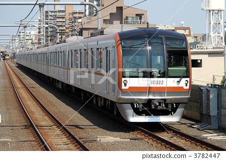 照片素材(图片): 东京地铁10000系列列车fukutoshin线