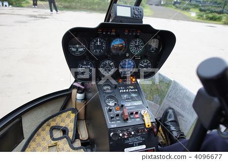 驾驶舱 直升机 飞行员-图片素材