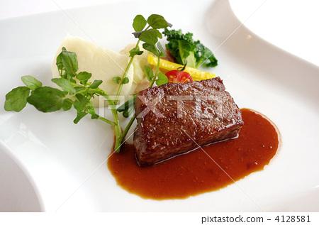 西餐主菜手绘图