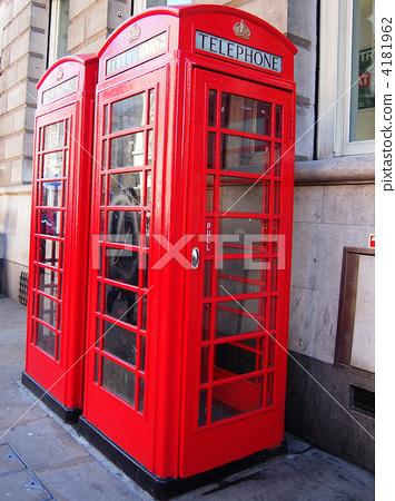 首页 照片 植物_花 花 一品红 电话亭 公用电话 电话  *pixta限定素材