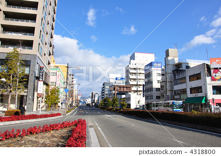 照片素材(图片): 街道 街景 市容