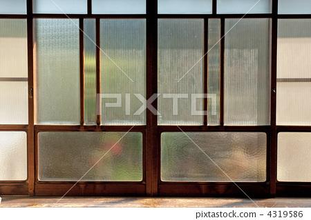室内装饰_家具 窗口 玻璃窗口 毛玻璃 窗玻璃  *pixta限定素材仅在