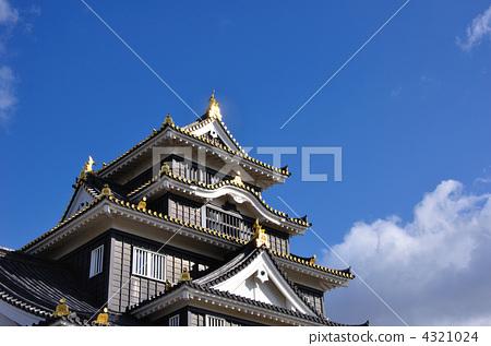 照片素材(图片): 城堡塔楼 冈山城 仰视