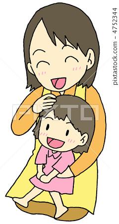 父母和小孩 拥抱 母亲