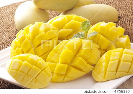 切水果 成熟的芒果 热带水果图片