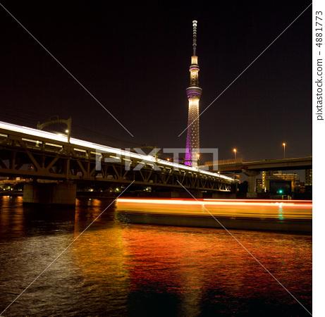 夜景 东京晴空塔 照明-图库照片