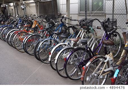 自行车_摩托车 自行车 停车场 自行车停放 自行车  *pixta限定素材仅