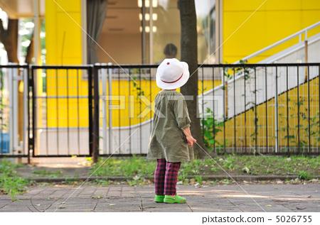 相似 照片 关键词 跑步, 奔跑, 儿童, 运行, 后代, 婴儿, 小屋, 小孩