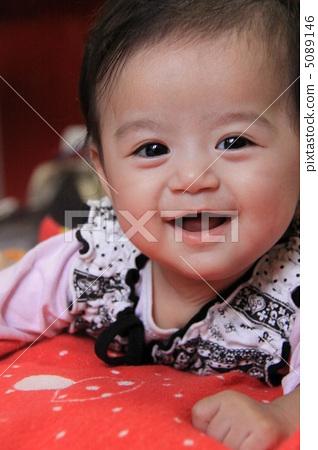 宝宝微笑 片可爱