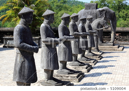 陵墓雕塑代表作品的
