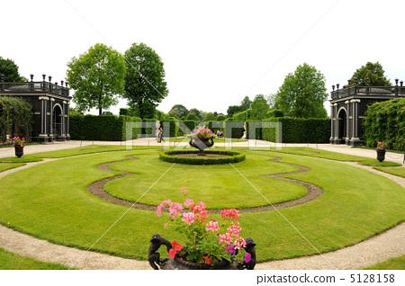 中欧  pixta限定素材      花园 哈布斯堡王朝的房子 中欧[5128158]