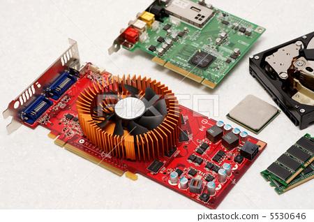 电路板都有什么 零件的介绍?