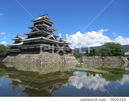 照片素材(图片): 城堡塔楼 天守阁 松本城