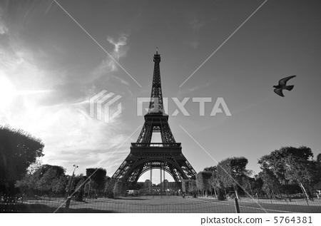 巴黎埃菲尔铁塔设计图展示