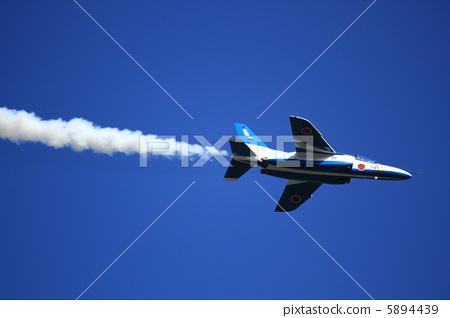 姿势_表情_动作 表情 可爱 喷气式飞机 飞机 战斗机  *pixta限定素材