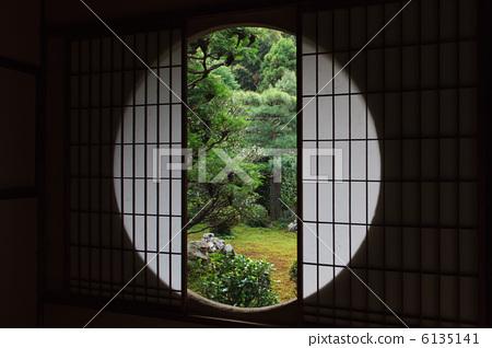 室外欧式圆窗图片