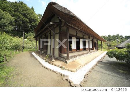 民居 茅草屋顶 日式房屋-图库照片