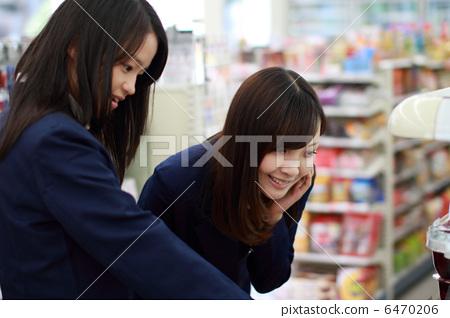 首页 照片 人物 学生 高中生 高中生 高中女生 制服  *pixta限定素材
