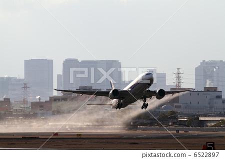喷气式飞机 客用飞机 鞠躬