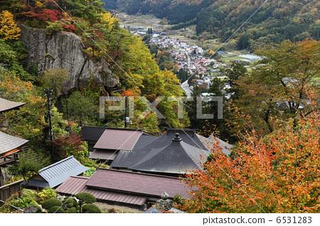 图库照片: 立石寺 山中寺庙 十一月