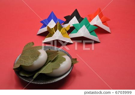儿童节 柏市麻薯(包裹在橡树叶子里的年糕)