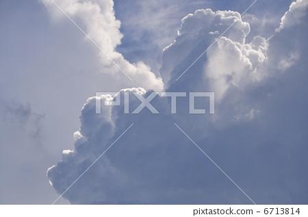 照片素材(图片): 夏天的云 雷云 积雨云