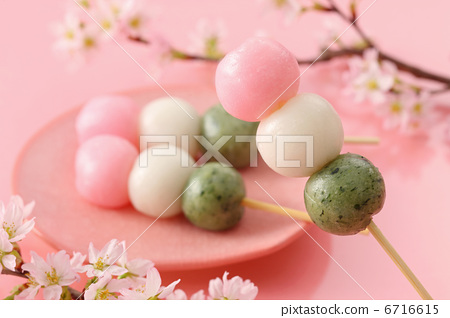 三色丸子_图库照片: 赏花丸子 三色团子 三色饺子