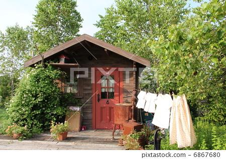 山野中的小木屋 乡村生活 清澈