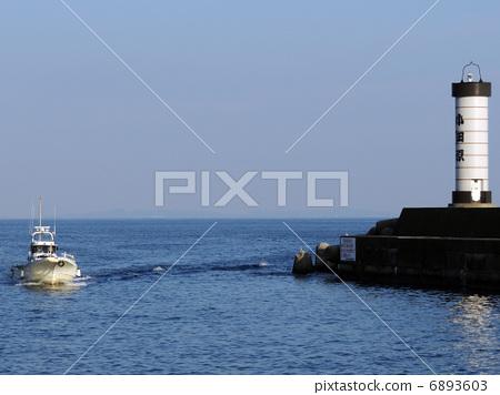 照片 交通工具_交通 船_游艇 渔船 渔船 海平面 海面  *pixta限定素材