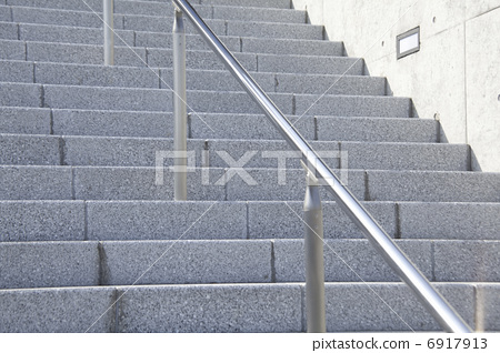 照片素材(图片): 扶手 护栏 楼梯