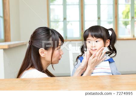 父母和小孩 人类 可爱