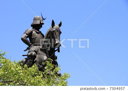 伊达政宗 日期骑马雕像 骑马的雕像