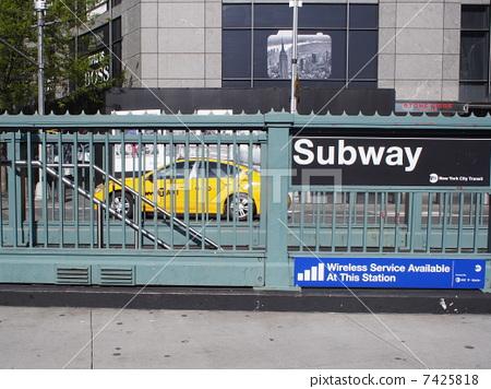 照片素材(图片): 地下铁路 地铁 栅栏