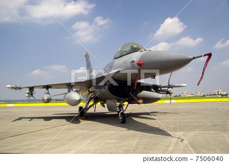 战斗机 喷气式飞机 飞机 首页 照片 休闲_爱好_游戏 玩耍 纸飞机 战斗