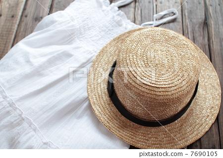首页 照片 流行 帽子 草帽 草帽 硬草帽 吊带衫  *pixta限定素材仅在