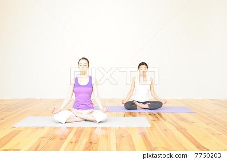 减肥_训练 瑜伽 瑜伽,女性,瑜伽姿势,瑜伽教室  *pixta限定素材仅在pi