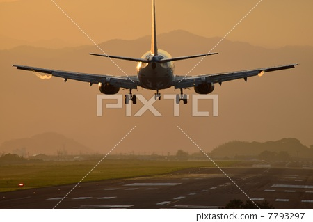 飞机 登陆 跑道