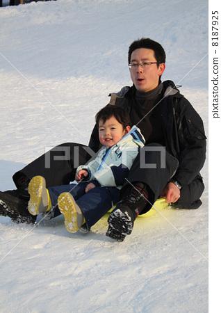 父母和小孩 旅游 可爱