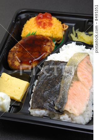 照片素材(图片): 便当 日式便当 烤三文鱼