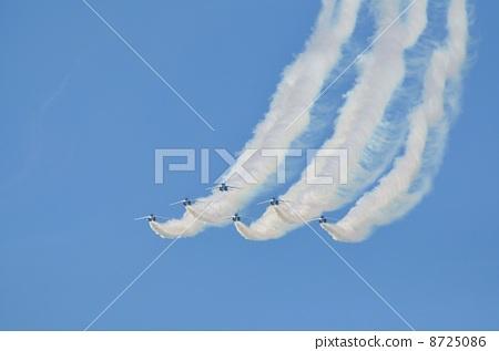 飞机 蓝色冲击波 机场秀