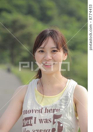 照片素材(图片): 女生 女孩 女性