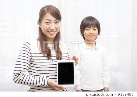 父母和小孩 驯养 可爱