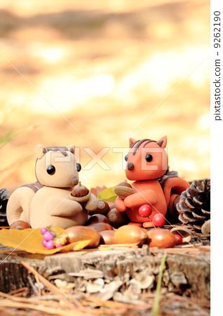 照片: 松鼠 用粘土做东西 粘土工作