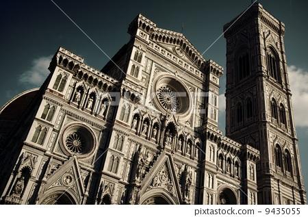 建筑 长方形大教堂 角