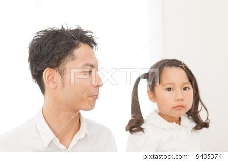 父母和小孩 爸爸 父亲