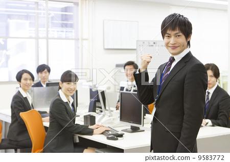 照片素材(图片): 办公室场景 人物 商业