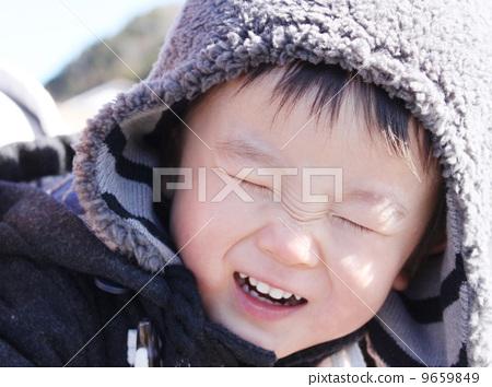 海边男孩笑_常笑林