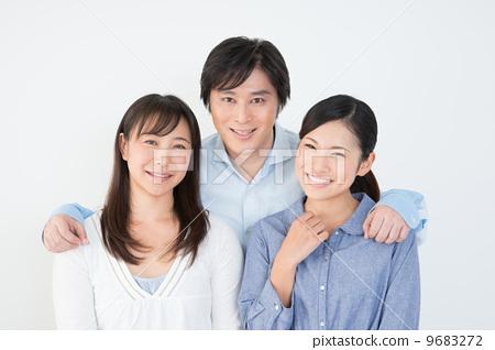 家庭 家庭 父母和小孩 室内  图库照片#9683272 授权信息此素材有模特